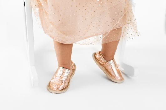 Kindergarten toddler rolly slippers rose gold girl 1