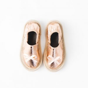 Vrtčevski rose gold rolly copati toddler